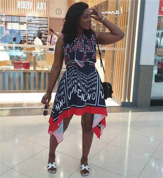 Femmes Lettre D'été Pint Robes Ras Du Cou Sans Manches Flore Asymétrique Vêtements Pour Femmes De Style De Mode Parti Casual Vêtements