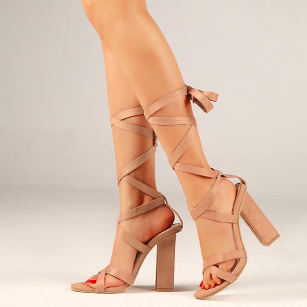 2019 Femmes Escarpins Nouveau Femmes Chaussures Boucle Talons Hauts Bloc Talons Sandales Sandale À Talons Carrés Femme Plus La Taille 42
