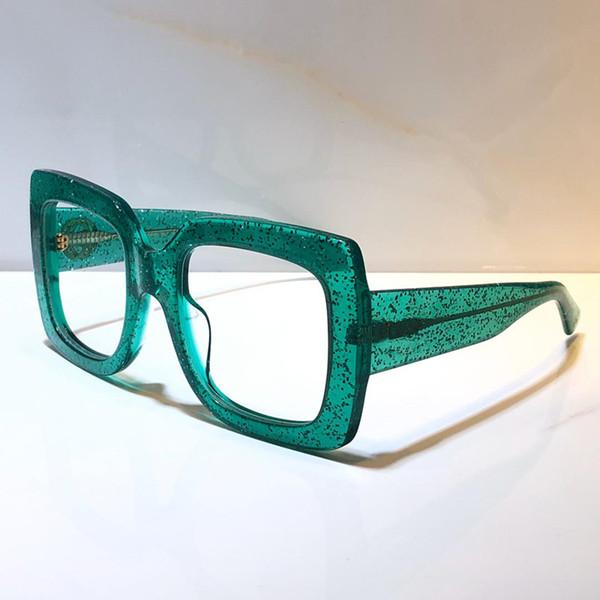 зеленая прозрачная линза