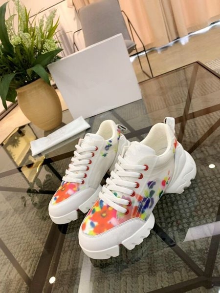 2019 Women Casual Shoes Fashion Brands Designer Sneakers Lace-up Running Shoes Green Red Stripe Black Leather rx19041604