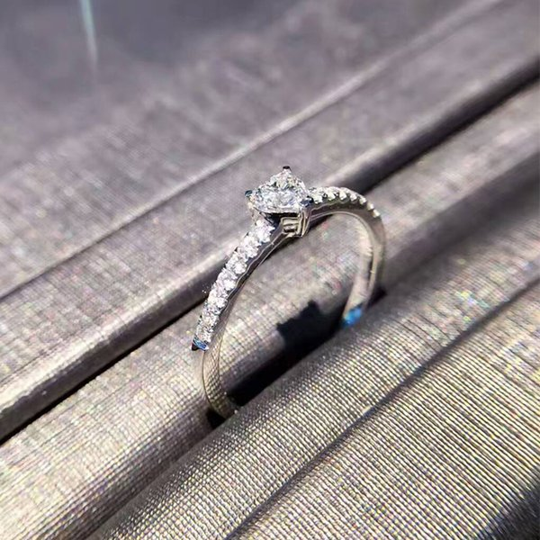 Novo diamante nu personalizado 18 K platina em forma de coração anel de diamante grupo feminino incrustado belo anel de diamante verdadeiro produto