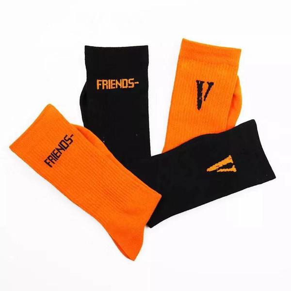 Hot V lettre coton tube masculin version coréenne de la rue hip hop collège vent hommes et femmes long tube chaussettes Long tube chaussettes C1