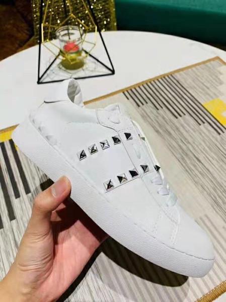 tutto bianco con rivetto in argento