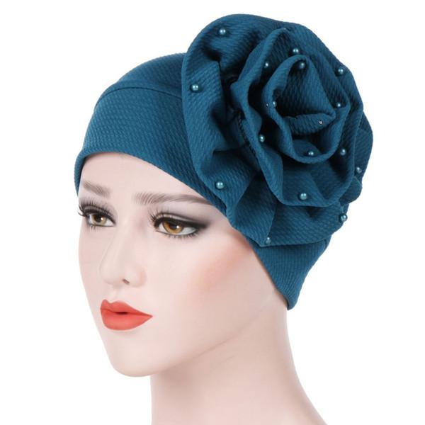 Tête africaine, fleur, décorer, turban musulman, perles, hijabs femmes