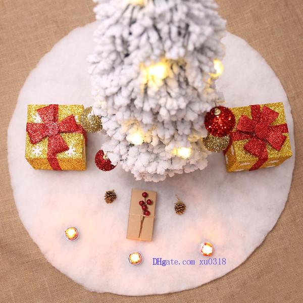 Livraison Gratuite Arbre De Noël Jupe Blanc Noël Noël Stand Rond Ornements Base Tapis De Sol Couverture Home Party Decor
