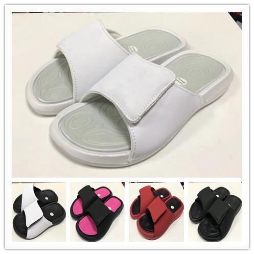 Großhandel Herren Hausschuhe Sandalen SS 2019 Herren Designer Schuhe Sneakers Mode Marke Magic Hook Loop Scuffs Sommer Sandy Beach Frauen Wohnungen