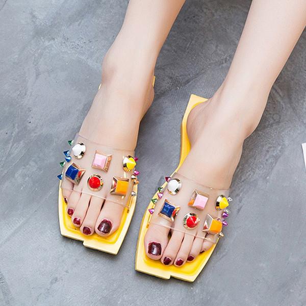 Oeak Kadın Terlik Burnu açık Damızlık Düz Slaytlar Sandalet Yaz Plaj PVC Renkli Güzel Ayakkabı Açık Kadın Punk Perçin