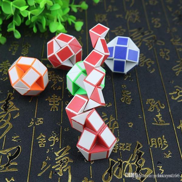 htt Pequenos Presentes Children Magia Régua enigma Brinquedos 24 mini-Magia Atacado Cube
