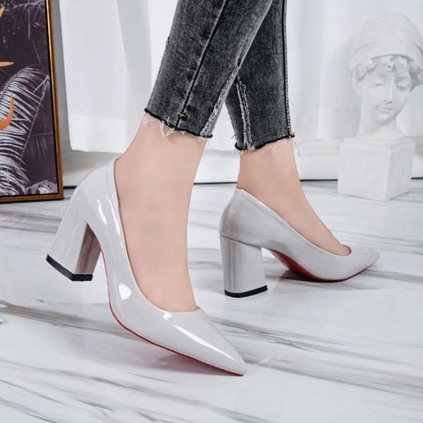 Tasarımcı Elbise Ayakkabı Büyük boy kadın yüksek topuklu Avrupa ve Amerikan moda seksi tek boyutu ile kalın 41 42 43 44 45 46