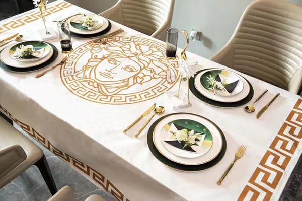 Méduse Imprimer Lettre V Nappe Luxury Design tissu de table imperméable à l'eau 4 Taille Vente chaude Lettre Mode Nappe cottonlinen haute classe.