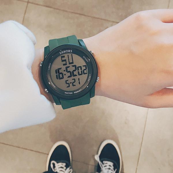 ساعة خضراء
