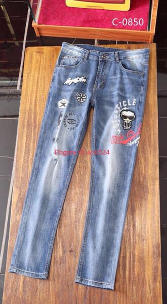 Design de moda calças de brim dos homens de alta qualidade calças Jeans para homens tecido 2019 Venda Quente tamanho Asiático 28-36 sinal padrão Perigoso