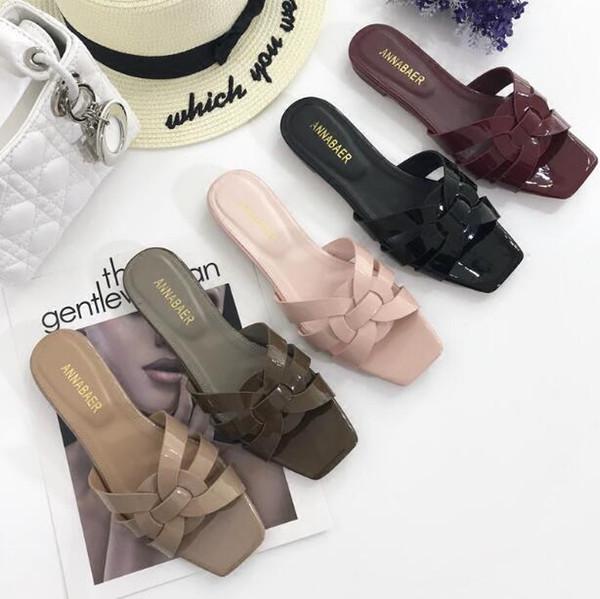 2019 Натуральная Кожа Роскошные новые тапочки вырезать летние пляжные сандалии Женская мода Ткать открытый тапочки крытый флип-флоп Summer Style