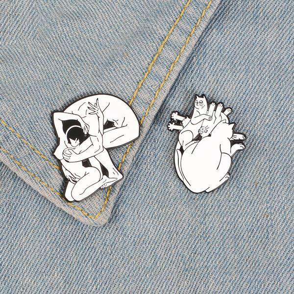 Cats Heart Shape Enamel Pin Skull Head Sex in Mind badge brooch Lapel pin Denim Shirt bag Collar Punk Jewelry Gift for Friends