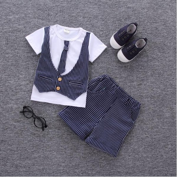 Bestselling new childrens clothes 2019 Summer New Style Mens baby two piece T-shirt sleeved suit boy and girl Sweater