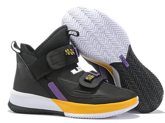 2019 Yeni James Asker 13 XIII Üçlü Siyah Beyaz Altın Buz Mavi Erkek Basketbol Ayakkabı Askerler 13 s PULL Ayakabı Tasarımcı Sneakers ABD 7-12