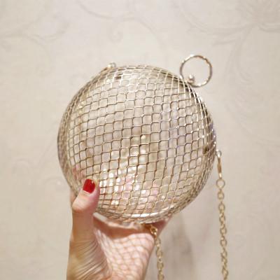 Fashion scava fuori oro della frizione in metallo sera Pochette Portafogli Donne Lady Bridal Catene spalla borse del sacchetto festa di nozze