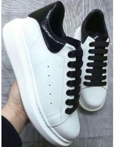 Pelle di alta qualità delle donne degli uomini di moda Bianco Scarpe Nero Torna pedana piatta pattini casuali della signora Nero Oro Rosa Donne Bianco scarpe da ginnastica xz162