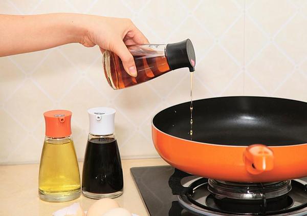 Dispenser di salsa di soia vetro antiaderente Pot controllabile bottiglia di ampolla di aceto di olio di oliva a tenuta stagna con tappo verde bianco nero arancione SN2822
