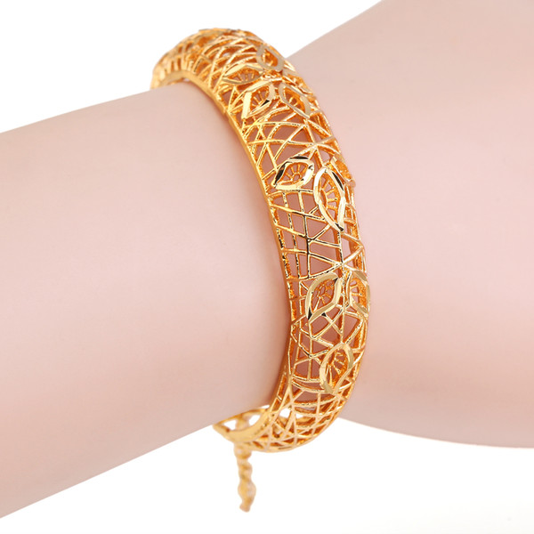 Fashion Ethiopian Bangle For Women Gold Color Hollow Jewelry Ornaments Exquisite Pattern The United States Bracelet Wedding Gift
