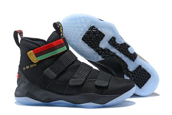 2018 nuevas zapatillas de baloncesto James Soldier XI 11 azul marino para hombre LeBron Soldier XI 11 zapatillas deportivas negras / rojas / blancas