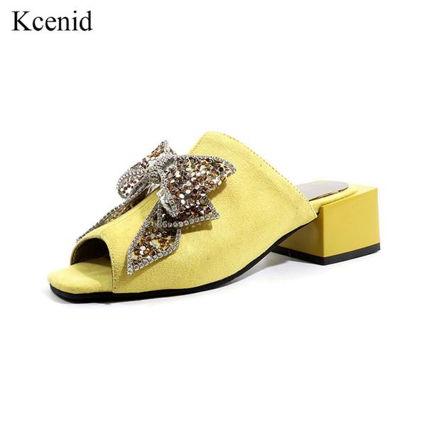 Kcenid Nouveau mode femmes chaussures été peep toe flock glisse bling strass grand arc chaussures chunky talon pantoufle femmes mules 2019