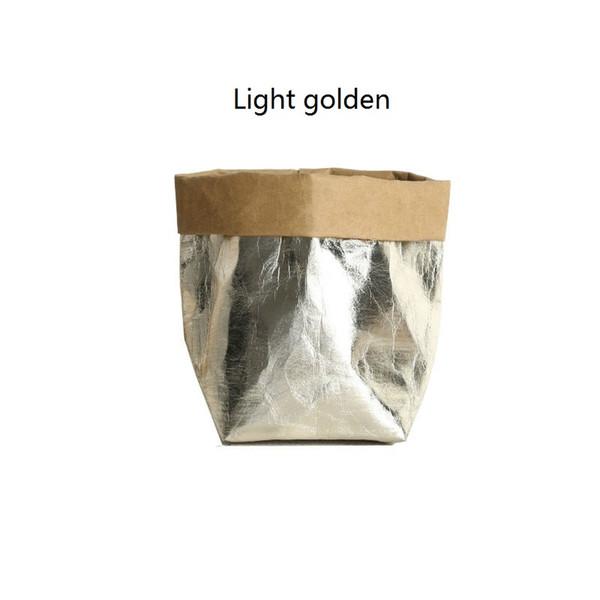 светло-золотистого