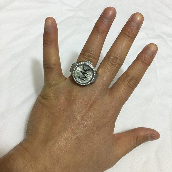 Кольцевые часы MK0022
