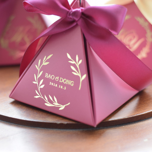 100PCS New Customized Triangular Wine Red Gift Box Paper Candy Box Packing Gift Bag for Wedding Favor Decoration Party Supplies