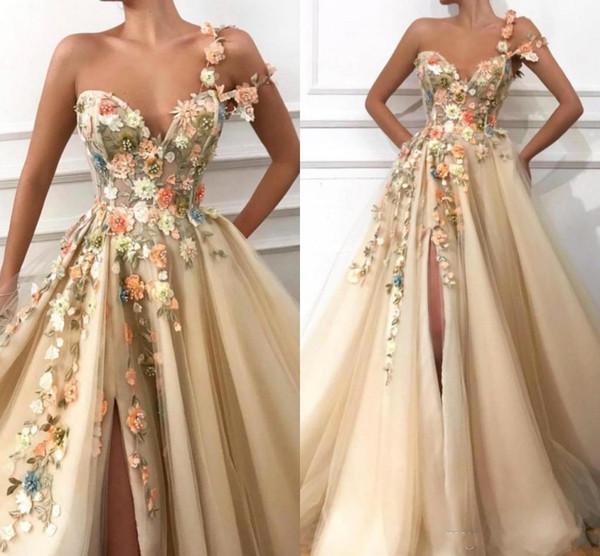 Herrliche Champagne Abschlussball-Kleider 2019 eine Schulter geraffte A-Linie Frontseiten-Schlitz Tüll handgemachter Blumen Plus Size Partei Abendkleider