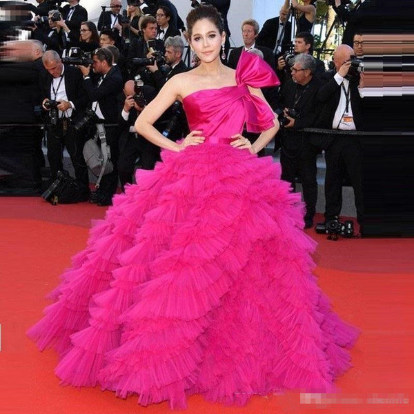 Araya Hargate Ruffles Fuchsia Celebrity Evening Gowns One-shoulder Backless 2019 Prom Dresses Cannes Film Festival Special Occasion Dress