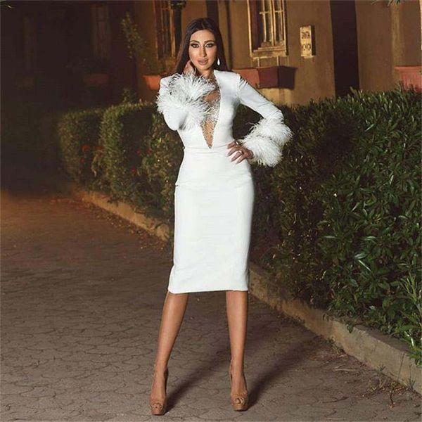 Date blanc gaine plume robes de bal bijou cou perlé manches longues genou longueur cocktail robe de soirée en satin robe de soirée courte
