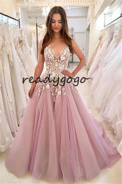 A-line Magnificent Prom Dresses with Lace Applique 2019 V-neck Full length Light Purple Backless robe de soiree Evening Wear Dress