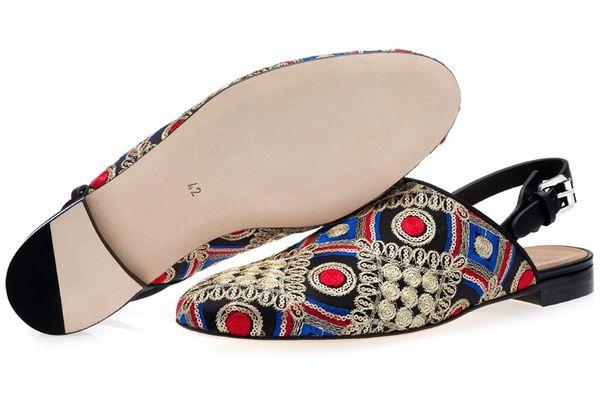 OKHOTCN Lujo Vaca Suede Hombres Zapatos Zapatillas Bordadas Punta Redonda Gladiador Hebilla Hombres Sandalias Casuales Borla Zapatos hechos a mano