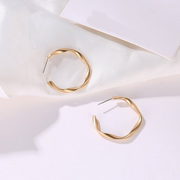 Damas De Color Oro Metal Fino Aro Pendientes 7 cm Fashion Jewellery