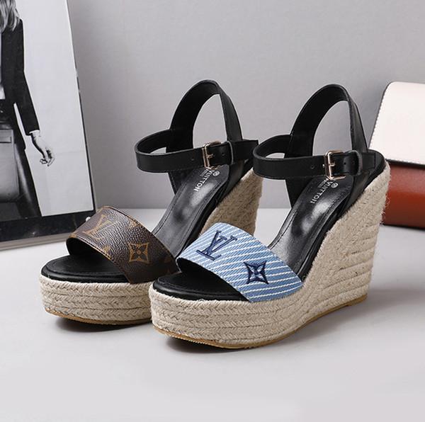 Luxus-Designer Frauen Sandalen aus Leder Twill Hanf-Seil-Absatz-Sandelholz Leder Druck Keil Thick Boden Mode Damensandale L65