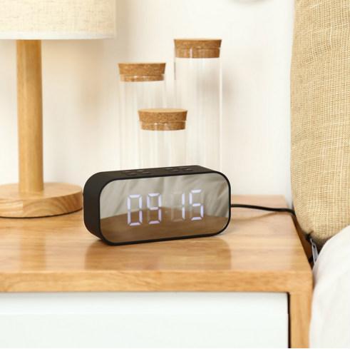 Mini Taşınabilir Kablosuz Bluetooth Ses Müzik Ses Kutusu Çalar Saat ayna BT501 ile LED