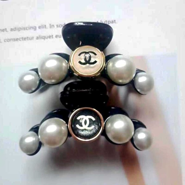Fashion Mini Pearl Hair Claw Brand Letters Logo Design Hair Clamps Women Girl Hair Jewelry Accessories