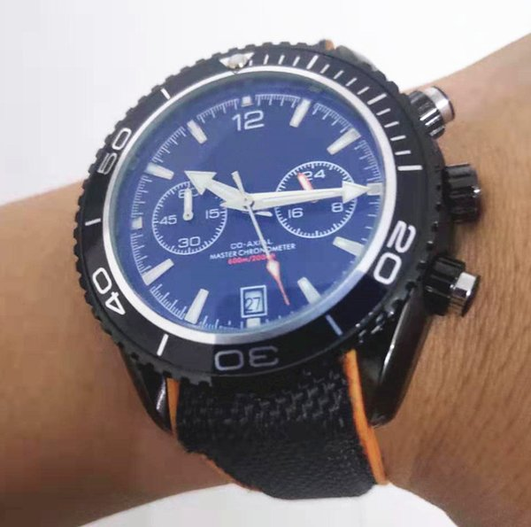 orologio da uomo di design moda nero luminoso blu antigraffio vetro sport subacquei orologi uomo mens orologi cronografo automatico al quarzo