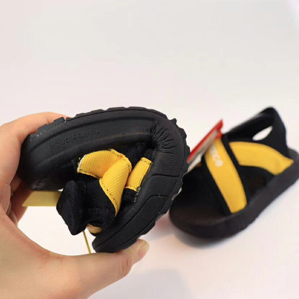 New Brand Cheap wholesale kids Sandals Fashion children Summer Slippers Beach Outdoor Shoes Boy s and Girls breathable besch sandal