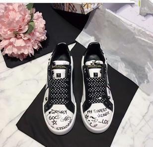 Zapatillas de marca Zapatos de diseño Zapatillas de deporte de alta calidad Huaraches Chanclas Sandalias de diseño Zapatillas de deslizamiento Mocasines Botas de mujer por shoe06022