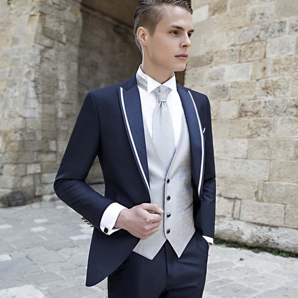 Fashion Navy Blue Mens Prom Suits Peaked Lapel Wedding Suits For Men Tuxedos Three Pieces One Button Blazers Jacket + Pants + Vest