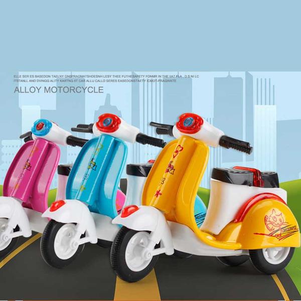 Çocuklar için alaşım oyuncak araba Dönüş Motosiklet Modeli Üç Tekerlekli Bisiklet Pişirme Dekoratif Kek Dekoratif Oyuncaklar Otomobil Kalıp oyuncak C31