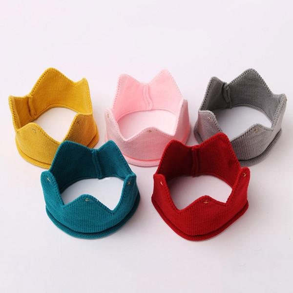 Verkauf Winter Hot Einfache Kreative Praktische Accessoires Cute Crown Form Strickmützen Kinder Trend
