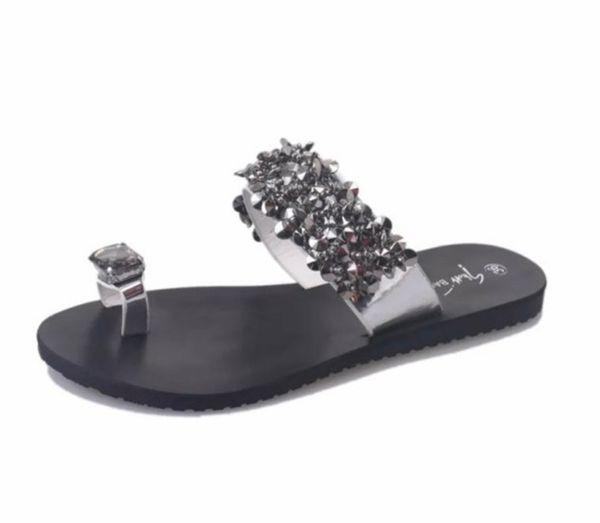 Designer femmes Chaussons bon marché Fleurs de cristal chaussons avec des tongs strass Summer Beach Slipper Sandales Mode Femmes Flats Big Size
