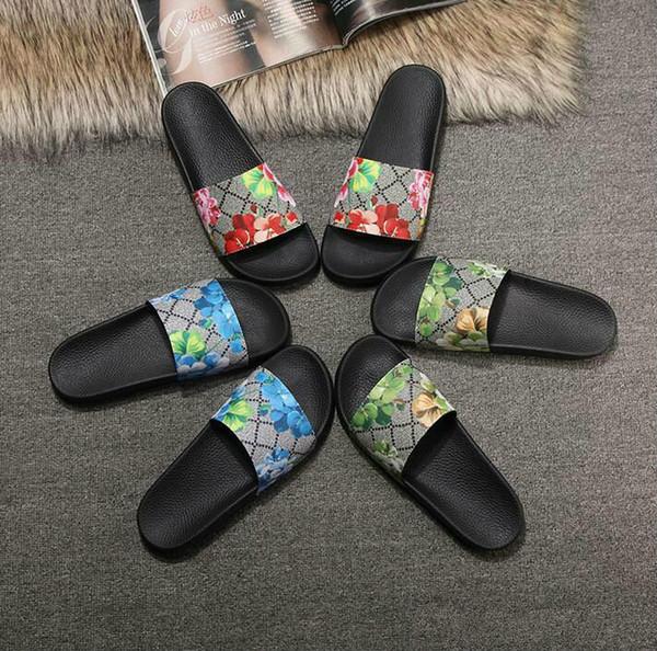 Hommes Femmes Sandales Designer Chaussures De Luxe Slide D'été Mode Large Plat Sandales Glissantes Slipper Flip Flop taille 35-46 boîte à fleurs