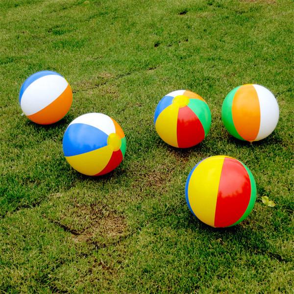 Pelota de playa Nuevo Inflable 6 colores Rayado Pelota de playa Pelota de playa Bola de playa al aire libre Deportes acuáticos Globo para niños 23 cm B11