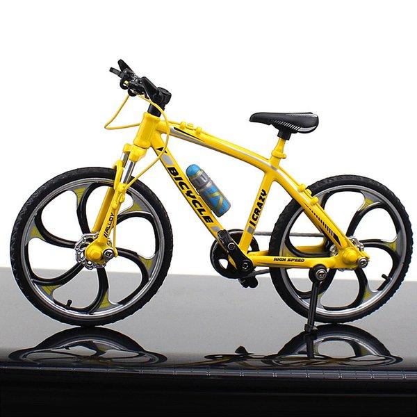 Carretera bicicleta de carreras amarillo