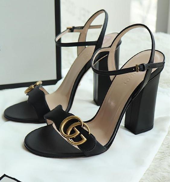 Markalı Kadın Deri 10 cm Yüksek Topuk Sandalet Tasarımcı Bayan Mektup Baskı Deri Ayak Bileği Kayışı Kauçuk Taban Sandal