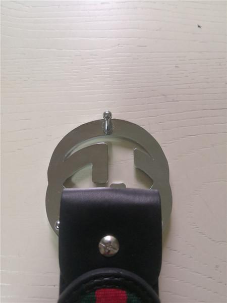 # 6 = Silberne Schnalle Schwarz gestreifter Gürtel